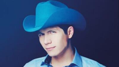 Fernando Corona viene de estreno con su tema 'Llueve en Mi Cama', el cua...