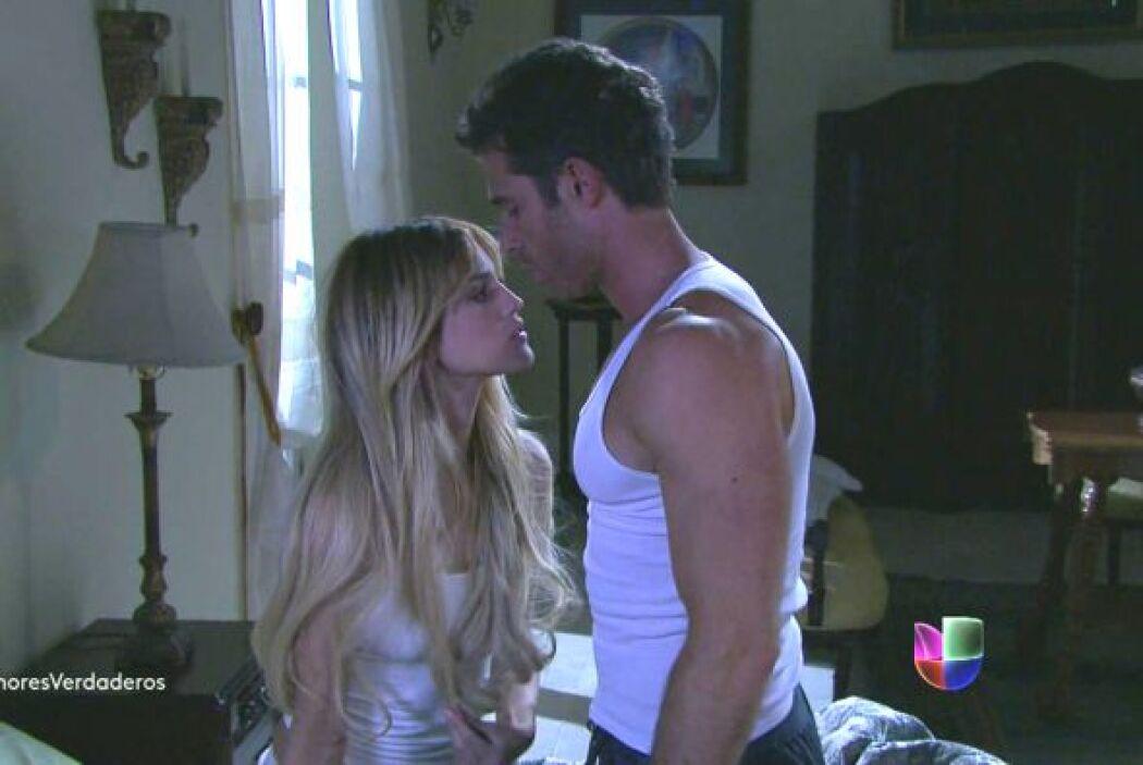 Nikki y Guzmán consumaron su amor en la noche de bodas de ella. Roy los...