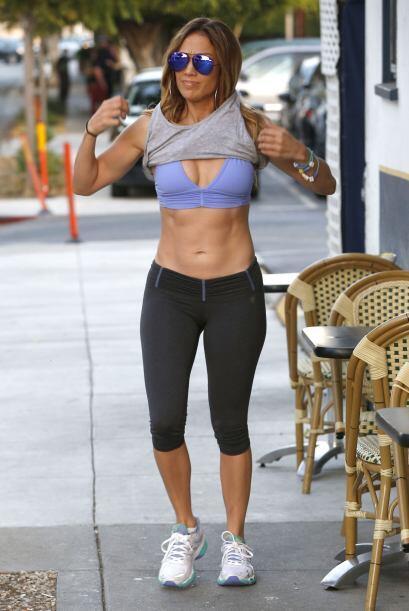 Jennifer Lopez tiene el 'booty' más 'hot' de la música y a sus 45 nadie...