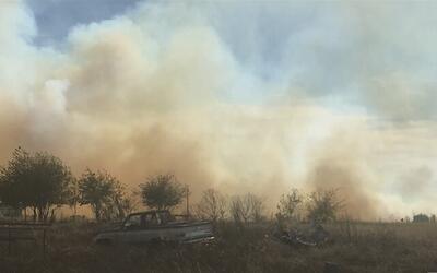 Residentes de Kyle son evacuados por un incendio