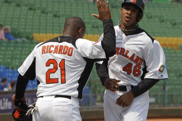El segunda base Jonathan Schoop, un prospecto de los Orioles de Baltimor...