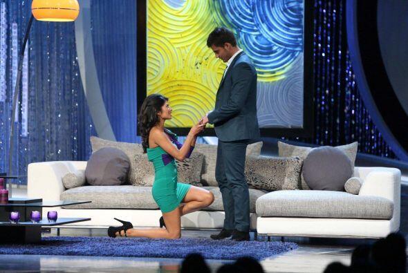 Karina Hermosillo le pidió matrimonio a Maxi.