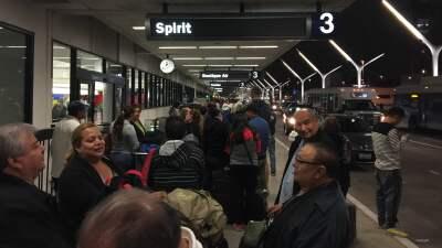 Un problema en el sistema de reservación provocó el retraso.