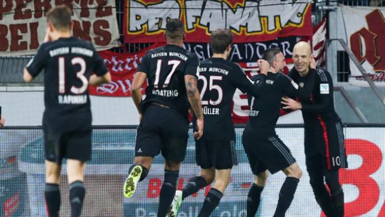 Arjen Robben rescató los tres puntos con su gol al minuto 89.