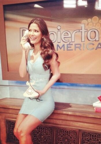 """Hola buenos días @DespiertaAmericTv"", bromeó Ana. (Julio 14, 2014)"