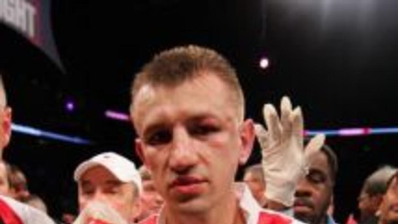 Adamek derrotó a Chambers por decisión unánime.
