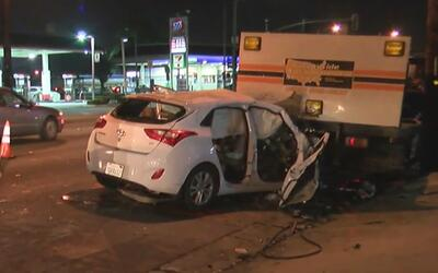 Tres personas heridas tras un fuerte accidente vehicular en el área Bell