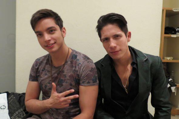 Fernando Corona con José Enrique Poyato backstage en la gala 3.