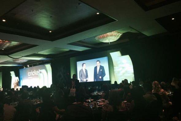 El presentador chileno recibió el premio Latinovator durante un a...
