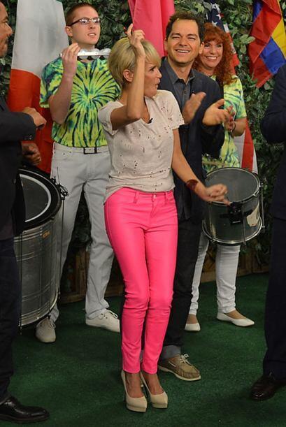 Kristin Chenoweth poco a poco se animó a bailar como toda una bailarina...