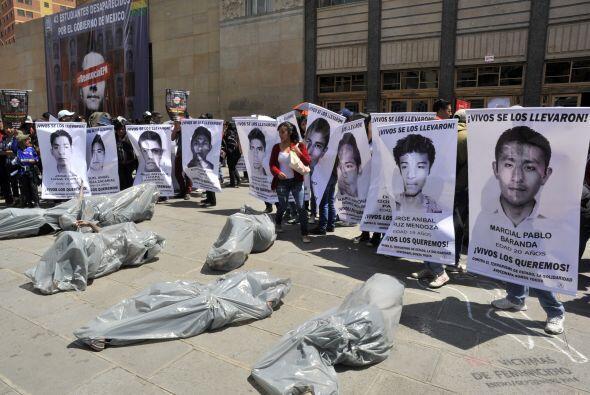 Estudiantes bolivianos hicieron eco de la exigencia de los estudiantes m...