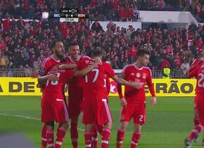 Benfica goleó 5-0 al Belenenses en la Liga de Portugal