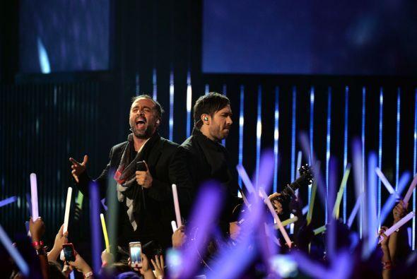 Ambos cantantes encantaron con su gran música.