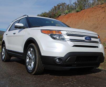 Ford ExplorerPara esta crossover, Ford utilizó una plataforma de auto, l...