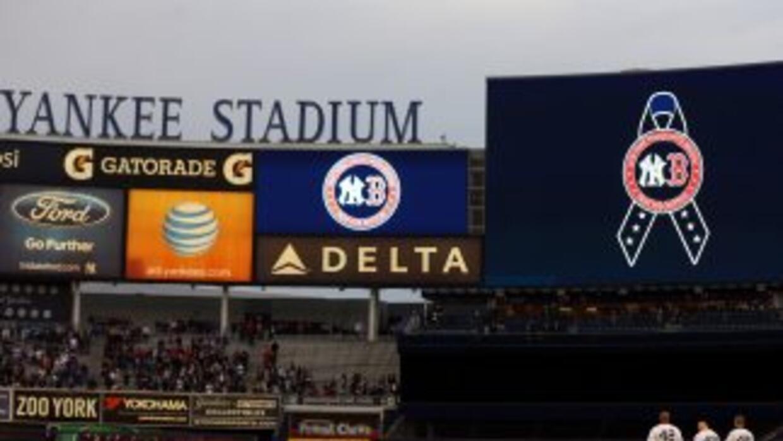 El inicio del partido Yankees vs Arizona también se guardo silencio en h...