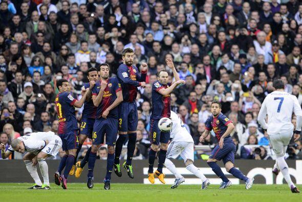 Ronaldo tuvo esta de falta pero se fue larga.