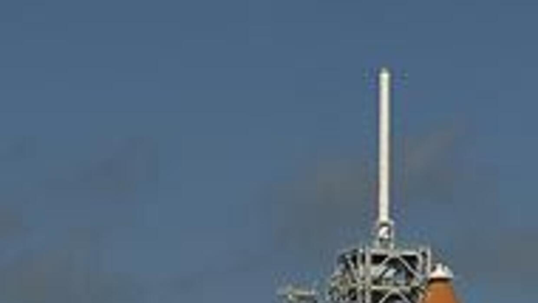 La NASA lanzó el transbordador Discovery para una misión de 13 días en l...