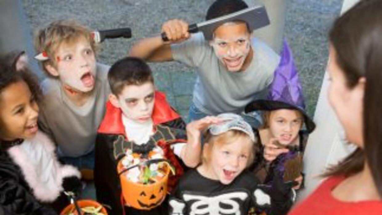 Te compartimos algunos consejos para que este Halloween tú y tu hijo se...