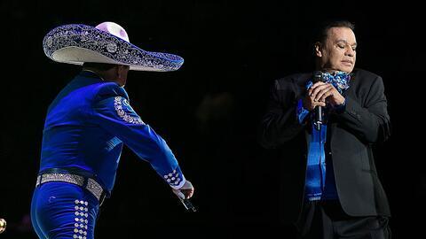 Juan Gabriel durante su último concierto en Los Ángeles, California.