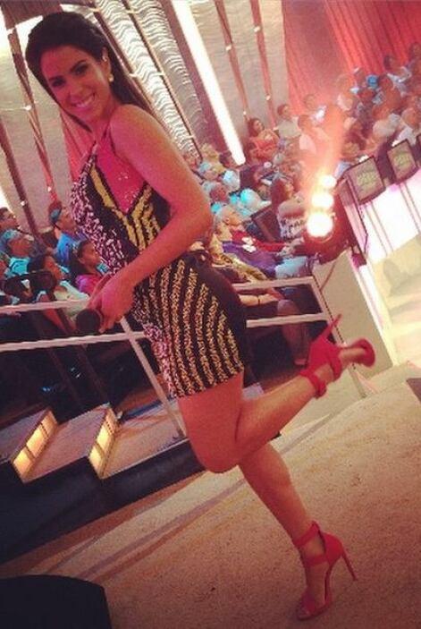 Durante el programa, su belleza deslumbró a todo el público.