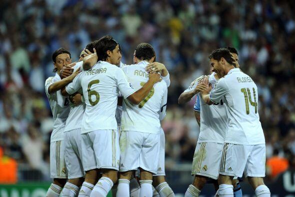 Real Madrid ganaba 2 a 0 y Mourinho lo disfrutaba desde las tribunas, ya...