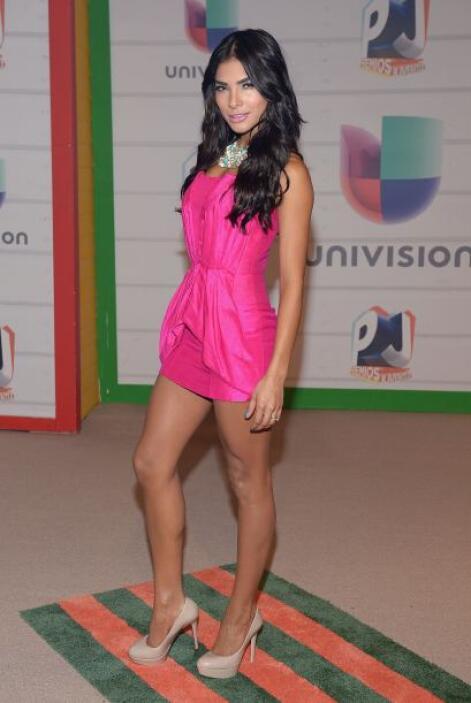 Pero Alejandra Espinoza no se queda atrás y con estos shorts llegó mostr...