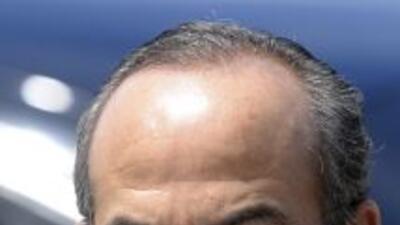 El presidente Felipe Calderón reclamó a Francia que respete las decision...