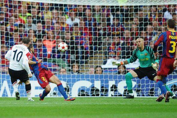 El remate dejó sin chances al portero español y el partido...