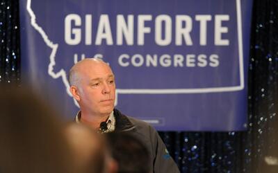 El momento en el que el congresista electo de Montana se disculpa por ag...