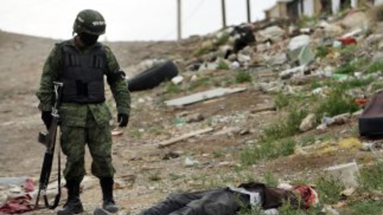 Militares mexicanos se enfrentaron a un grupo de sicarios en Nuevo Lared...