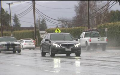 Tormenta causa caos en carreteras del área de la bahía