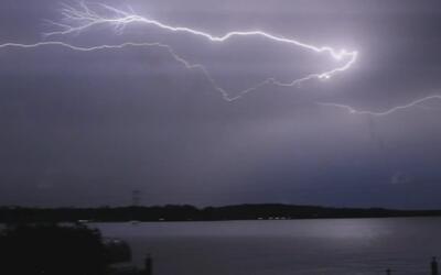 Así se iluminó el cielo en Texas por las recientes tormentas