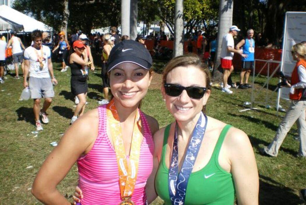 Satcha aparece feliz junto con su cuñada Amy Kranenburg, quien viajó des...