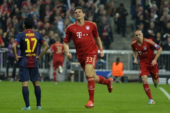 El atacante alemán de padre español marcaba el 2-0 pese a los reclaos de...