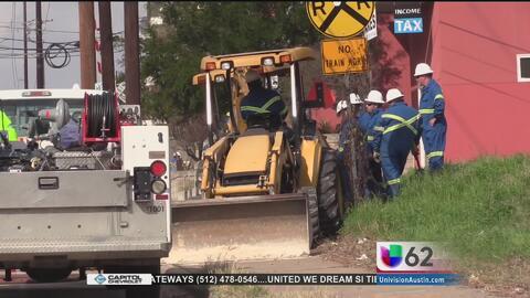 Residentes al este de Austin son evacuados por una fuga de gas