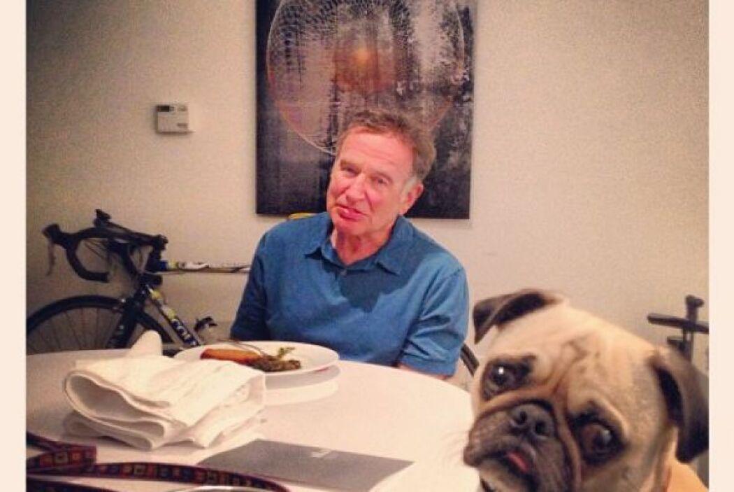 """""""Vale la pena repetir. Mi cena con Leonard. Lo echo de menos cuando esto..."""