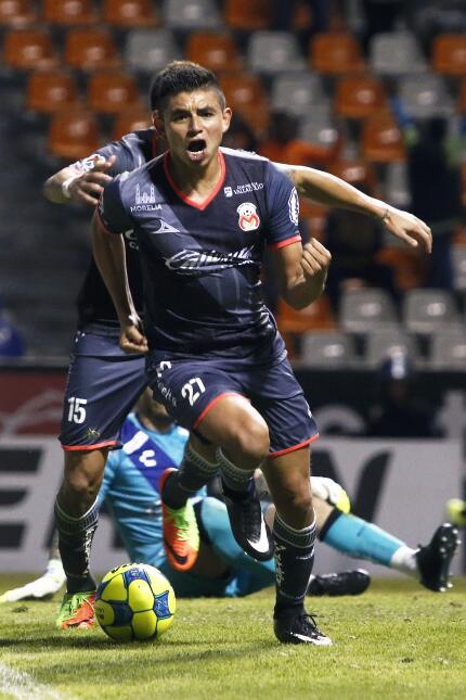 Morelia derrotó a Puebla con gol de último minuto Miguel Sansores.jpg