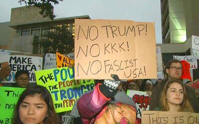 Estudiantes se manifestaron contra presencia de supremacista blanco en l...