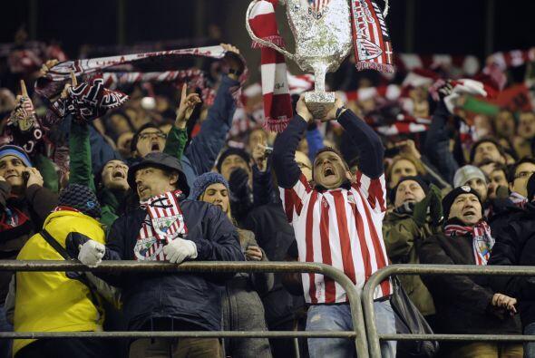 La afición de Bilbao ya acaricia la Copa, aunque antes su club deberá so...