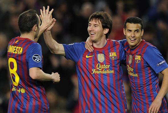 ¡M-E-S-S-I! Lo de Messi es de otro mundo. Recibe un pase de Cesc y...