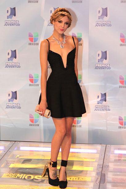 Eiza González deslumbró con este vestidito con el que modeló sus hermosa...