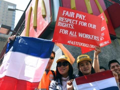 Las protestas de los trabajadores del sector de comida rápida en...