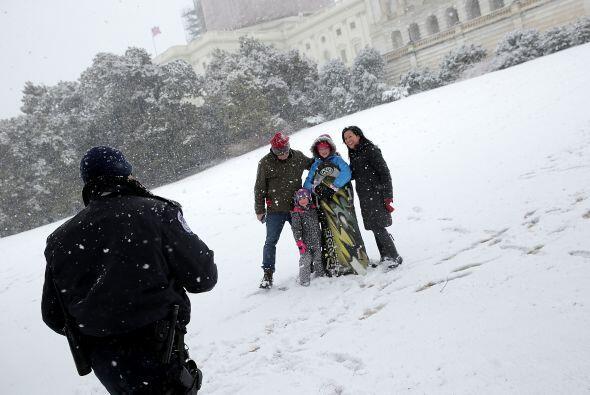 La tormenta invernal también sirvió como escenario para que un oficial d...