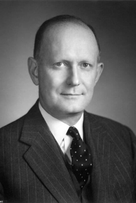 Douglas Dillon, Secretario del Tesoro.