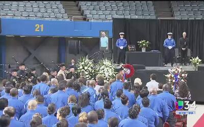 Los Ángeles conmemora a la víctima del ataque en LAX