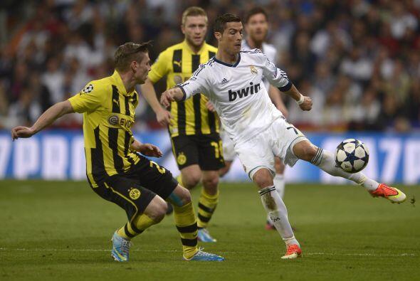 Para el segundo tiempo, el Madrid volvía a salir con la mentalidad de an...