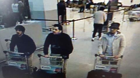 En esta imagen proporcionada por la policía federal belga en Bruselas, e...
