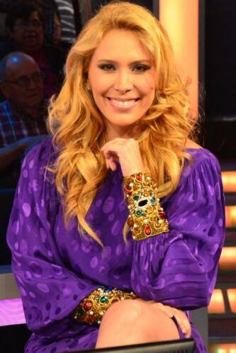 Jimena Gallego, tan sonriente y vestida de violeta, de sus colores favor...