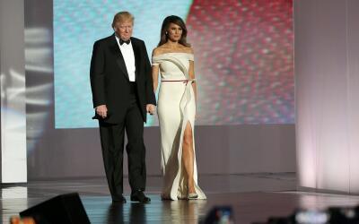 Así lucieron Melania e Ivanka Trump para el primer baile de toma de pose...