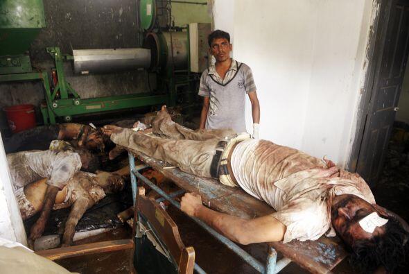 21 de junio: Fallecen 55 personas y 400 resultan heridas al descarrilar...